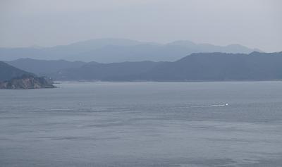 20151122海越しに見る諭鶴羽山