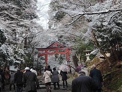 雪の日吉大社山王鳥居