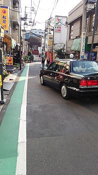 (PHOTO)デングの影響?たまたま?人通りの少ない参宮橋の街