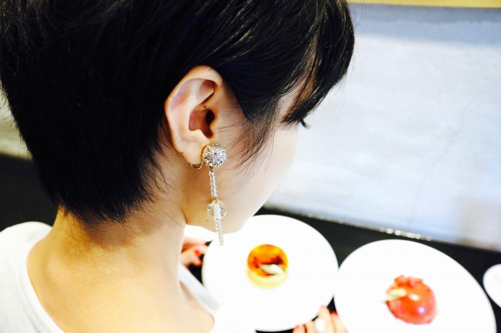 【JULICA ジュリカ】ゆり香の東京散歩・リベルターブルのケーキ。イヤリングとリングのコーデとともに。