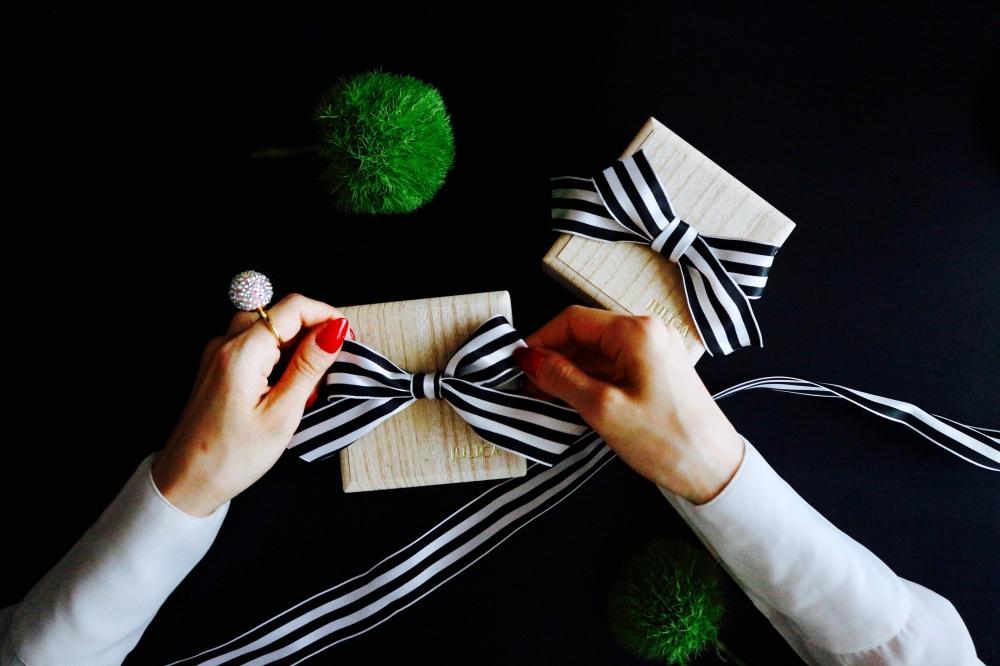 【JULICA ジュリカ】メイドイントーキョーのストレスフリーなイヤリングブランド、桐箱。