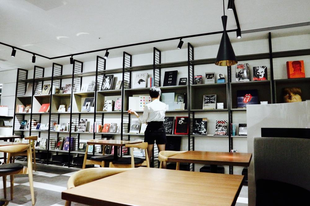 【JULICA ジュリカ】ジュエリーデザイナーゆり香のジュエリー、イヤリング、ファッションコーデ、東京、銀座、joe'scafe、ginzasix。