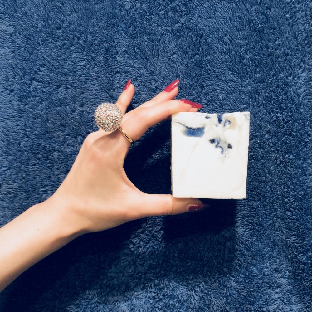 【JULICA ジュリカ】ジュエリーデザイナーゆり香のジュエリーとイヤリングのファッションコーデや大好きな銀座を紹介するブログです。大好きなポテチ、バスエッセンス、石鹸をご紹介します♡
