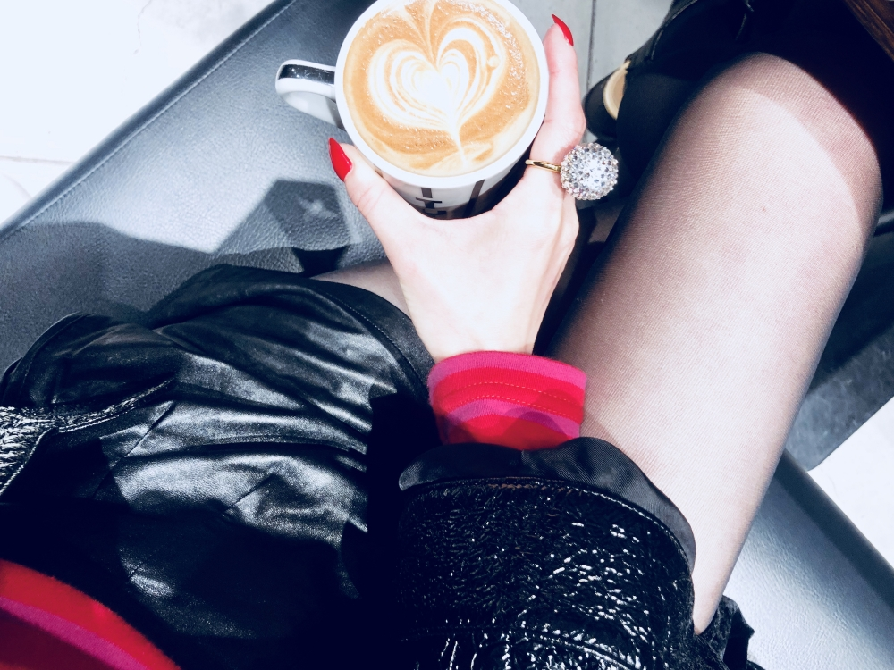 【JULICA ジュリカ】ジュエリーデザイナーゆり香のジュエリーとイヤリングのファッションコーデや大好きな銀座を紹介するブログです。ピンクカラーのデイリーグッズ、そして銀座citybakeryのカフェラテ。