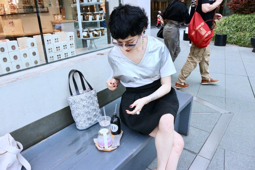 【JULICA ジュリカ】ジュエリーデザイナーゆり香のジュエリーとイヤリングのファッションコーデや大好きな銀座を紹介するブログです。レインボンボンをつけて、六本木エルカフェでランチ♡