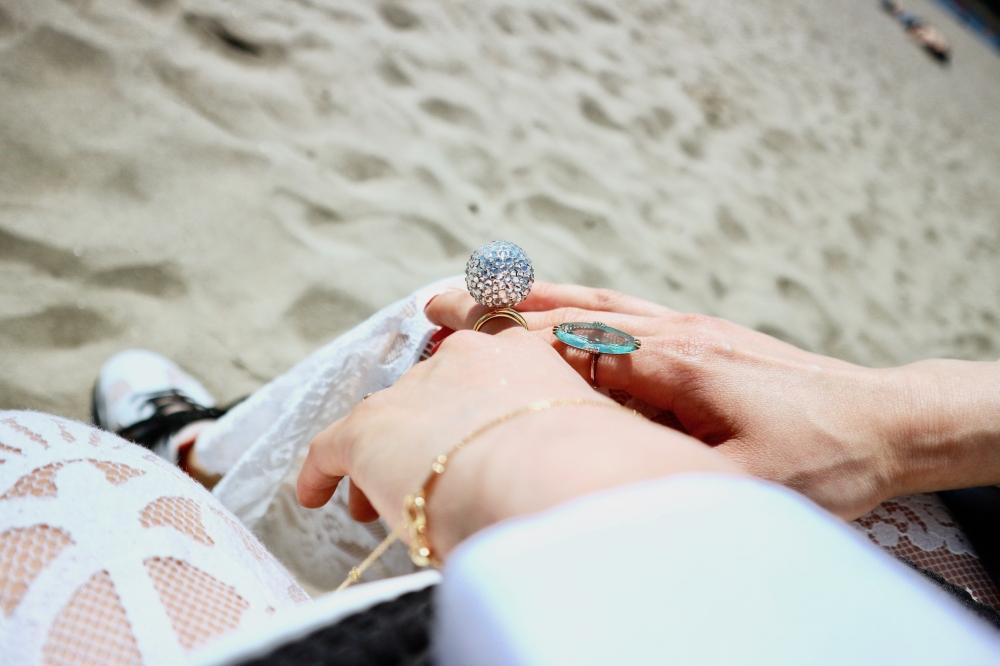 【JULICA ジュリカ】ジュエリーデザイナーゆり香のジュエリーとイヤリングのファッションコーデや大好きな銀座を紹介するブログです。お台場でのホワイトコーディネート。