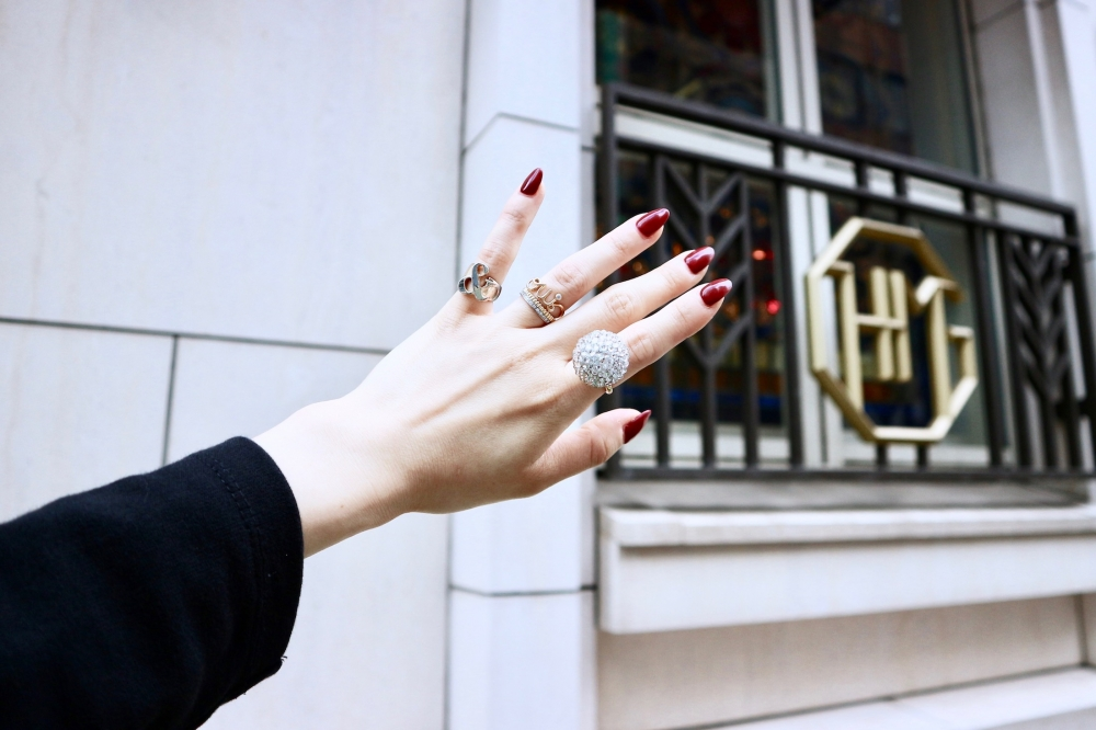 【JULICA ジュリカ】ジュエリーデザイナーゆり香のジュエリーとイヤリングのファッションコーデや大好きな銀座を紹介するブログです。ホテルモントレ銀座、レオニダス、フレデリックカッセル。