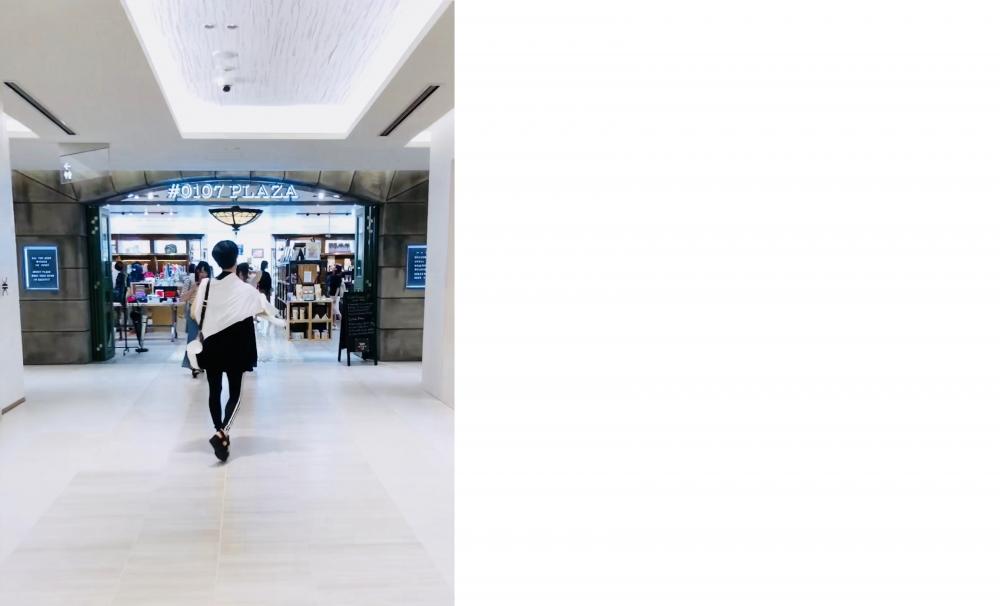【JULICA ジュリカ】ジュエリーデザイナーゆり香のジュエリーとイヤリングのファッションコーデや大好きな銀座を紹介するブログです。真っ黒コーデは銀座にて。