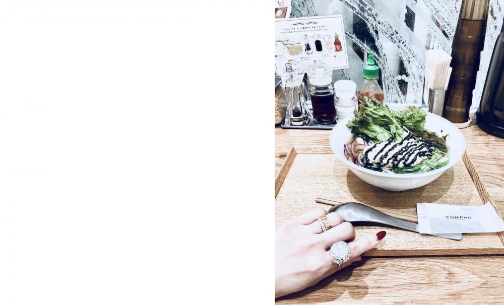 【JULICA ジュリカ】ジュエリーデザイナーゆり香のジュエリーとイヤリングのファッションコーデや大好きな銀座を紹介するブログです。マロニエゲート地下にあるコムフォーで、ランチ。