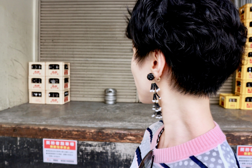 【JULICA ジュリカ】ジュエリーデザイナーゆり香のジュエリーとイヤリングのファッションコーデや大好きな銀座を紹介するブログ。ブラックイヤリング「ドレス」。