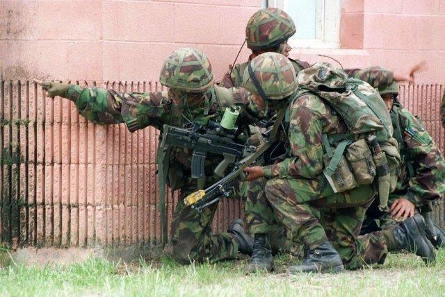 1280px-Gurkhas_exercise_DM-SD-98-00170.jpg