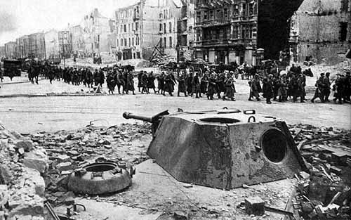 Emplaced-Panther-Tank-Berlin-1945-c.jpg