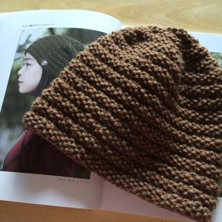 私の編み神様はやる気をもたらしてくれるだけなので、出来不出来には無関係で... 「手編みのニット
