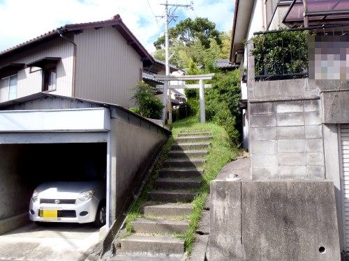 御嶽山入り口と鳥居