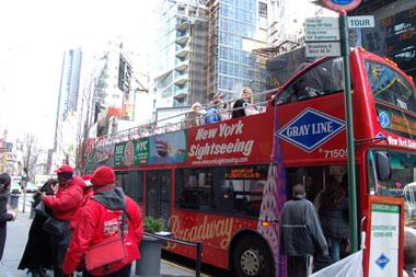 寒くても二階建て観光バス