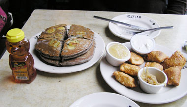 Veselkaパンケーキとピロギ