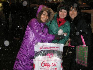 最後に雪の中おなかいっぱいの三人娘???(^^;)