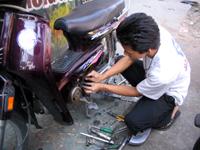タイヤの修理中