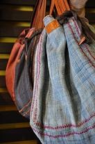 山岳民族の布を使ったカバン