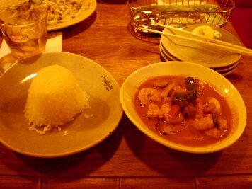 052 モンスーンカフェ レッドカレー バイマックル風味