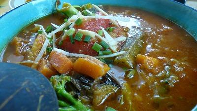 319 サラ 季節の野菜スープカレー