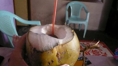 794 朝食 ココナッツジュース