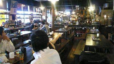 812 カフェ沖縄式 店内