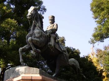 北の丸公園内の北白川宮能久親王像