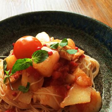 桃とトマトの冷製パスタ 盛り付け例2