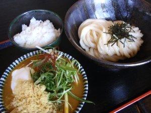 豚バラ肉の温玉カレーつけ麺
