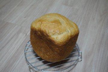 りんご甘煮入り紅茶ごはんパン