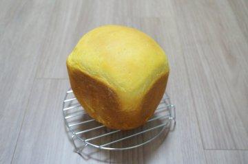 ココナッツにんじんパン