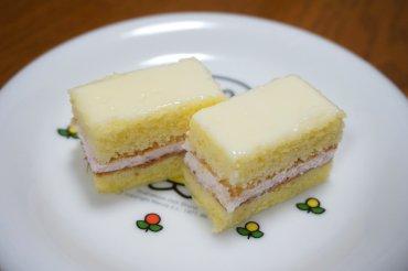 練乳いちご好きのケーキ