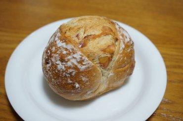 ベーコンとチーズのパン