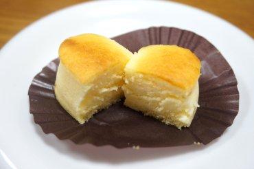 洋菓子屋さんのチーズスフレ
