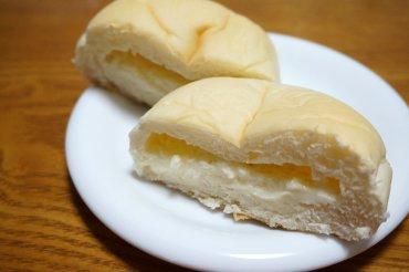 おとうふのようなクリームパン