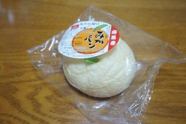 白いみかパン