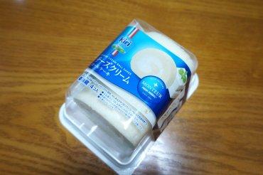 チーズクリームロールケーキ