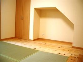 階段下のテレビスペース