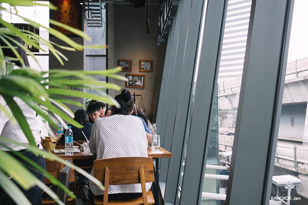 ホワイト・フラワー・ファクトリー White Flower Factory サイアム Siam Square One タイ料理 バンコク レストラン