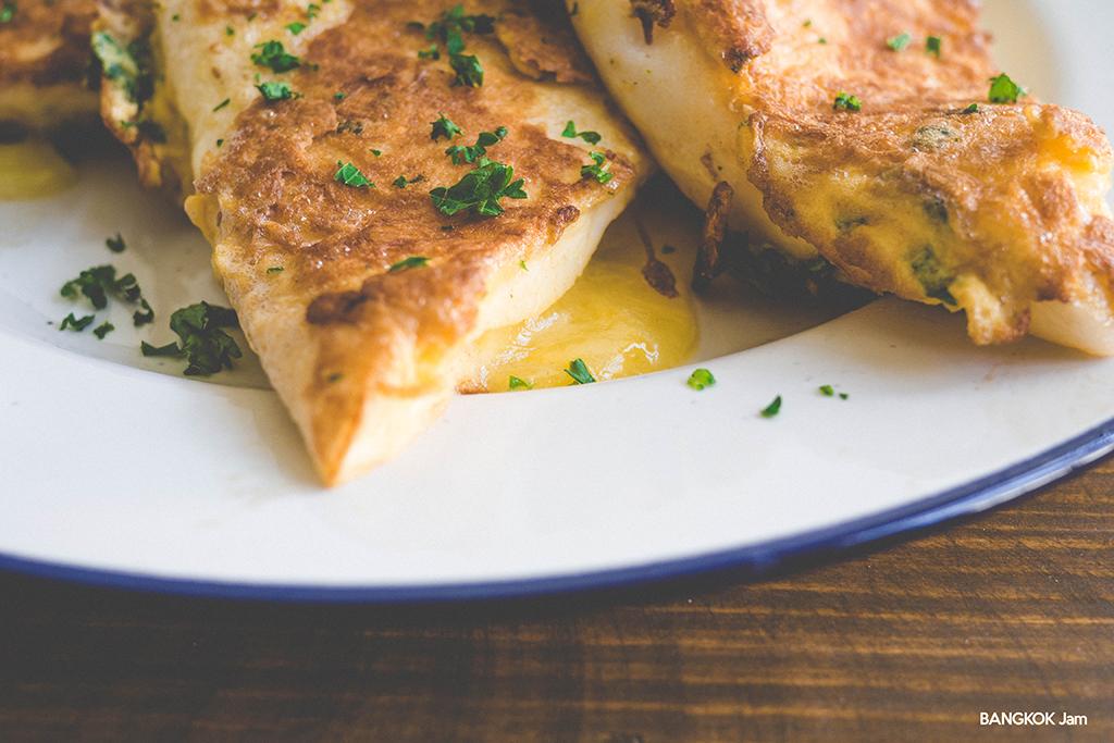 Cheese Hanpen Piccata チーズ入りはんぺんのピカタ バンコク Bangkok