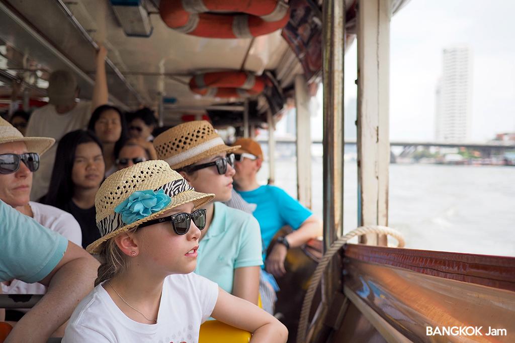 ワット・アルン 暁の寺 行き方 バンコク チャオプラヤー・エクスプレス ボート 船 2018