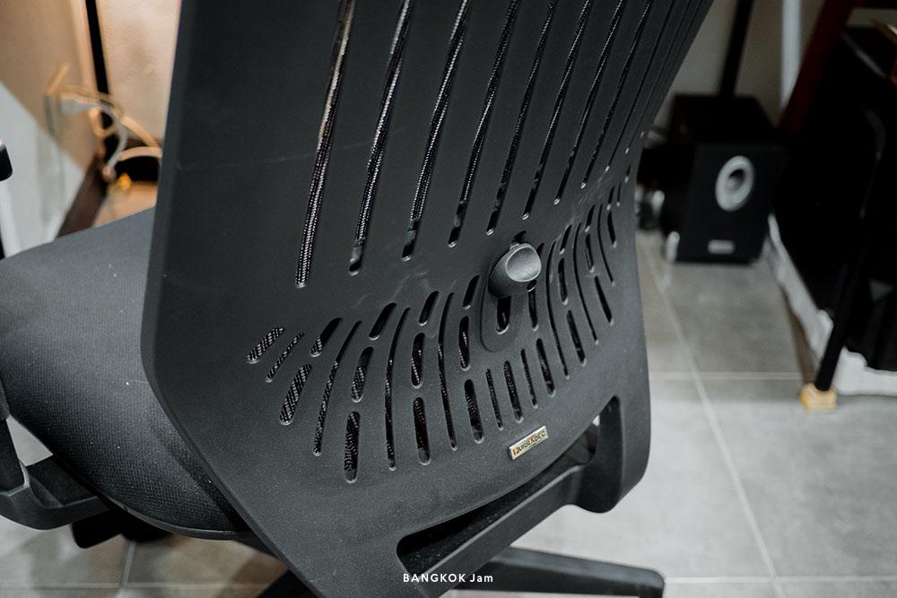 デスクチェアー 選び方 リモートワーク 在宅勤務 姿勢 腰痛 肩凝り
