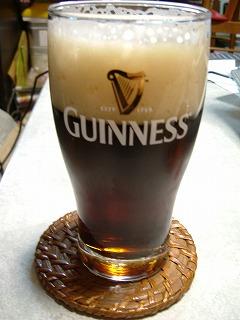 円熟「黒」 in ギネスのグラス
