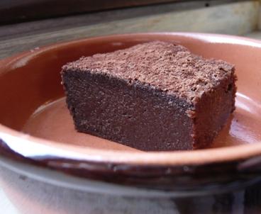 トリュフ・ケーキ盛り付け写真