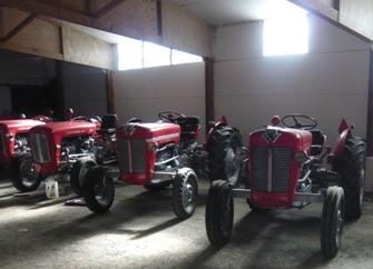 フランスの古いトラクター・コレクション写真