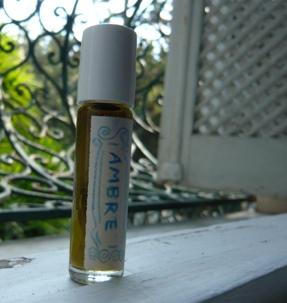 チュニスのメディナで買った香水アンバー1