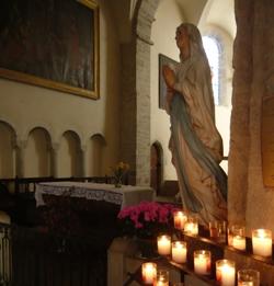 教会(ルルドの聖マリア像)