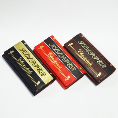 ガーリーなデザインが素敵な長財布です。