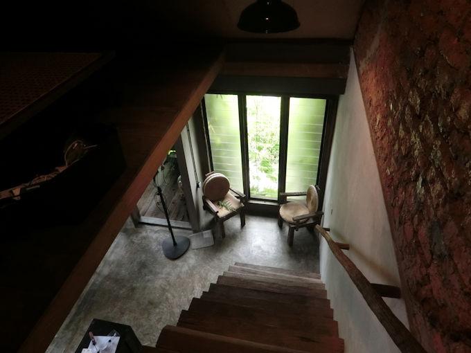 美しい階段.jpg